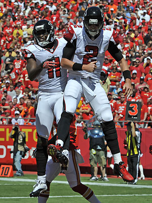 Matty Ice & Julio Jones mid-air bump (Getty)