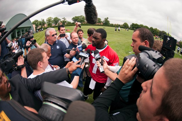 No longer the center of attention in Fantasyland, Vick may turn a mammoth profit this year. (USP)