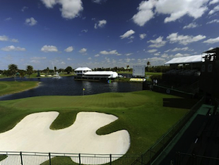 Doral's 18th hole / Getty Images