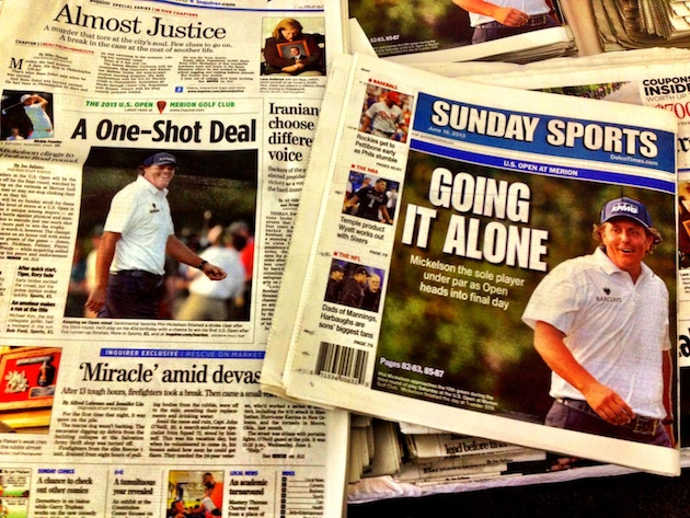 Sunday's editions of the Philadelphia Inquirer and Philadelphia Daily News (Kevin Kaduk/Yahoo! Sports)