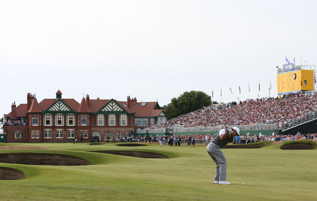 tiger woods stays steady at the british open  for all the good that does him