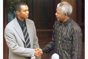 Tiger Woods met Nelson Mandela at his home in 1998. (Getty Images)