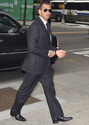 A-Rod in New York on Feb. 16, one day after his niece's reported shopping spree. (Getty)