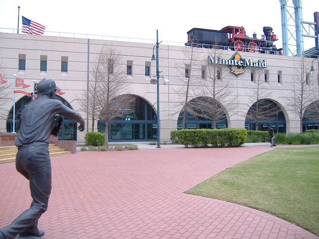 The Biggio and Bagwell statues stand outside Minute Maid Park. (ensign_beedrill/Flickr)