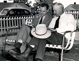 Furman Bisher (left) interviews Shoeless Joe Jackson in 1949. (BlackBetsy.com)