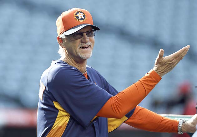 Astros coach Dan Radison's like, 'What can ya' do?' (USA Today)