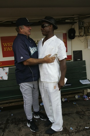 Elia in 2008 with Rickey Henderson (Getty Images)