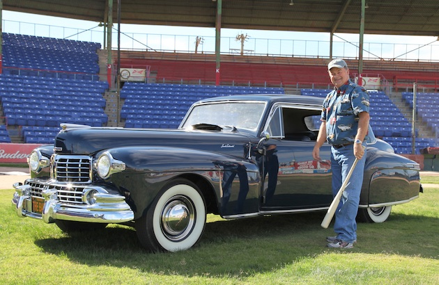Lonnie Shelton with Babe Ruth's 1948 Lincoln Continental (Della Moyer photo)