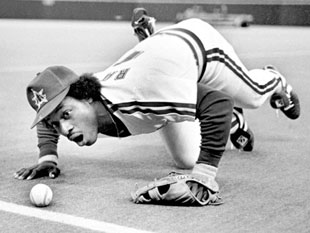 Lenny Randle blows a ball foul in 1981. (Owen Blauman)