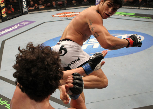 Erick Silva delivers a kick. (Getty)