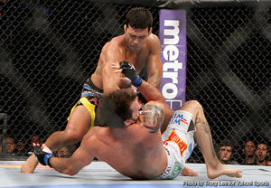 Machida ending Bader. (Photo by Tracy Lee)
