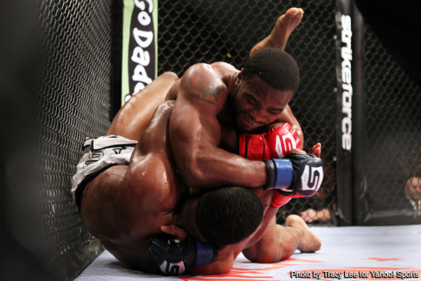 Tyron Woodley takes down Jordan Mein (Tracy Lee/Yahoo! Sports)