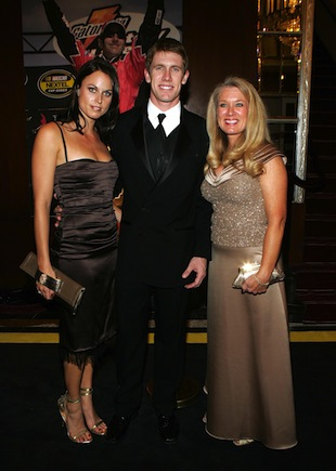 Amanda Beard, Carl Edwards and Edwards' mother in happier times (Getty)