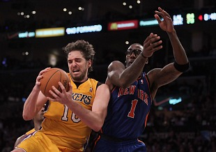 Pau Gasol and Amar'e Stoudemire (Jeff Gross/Getty)