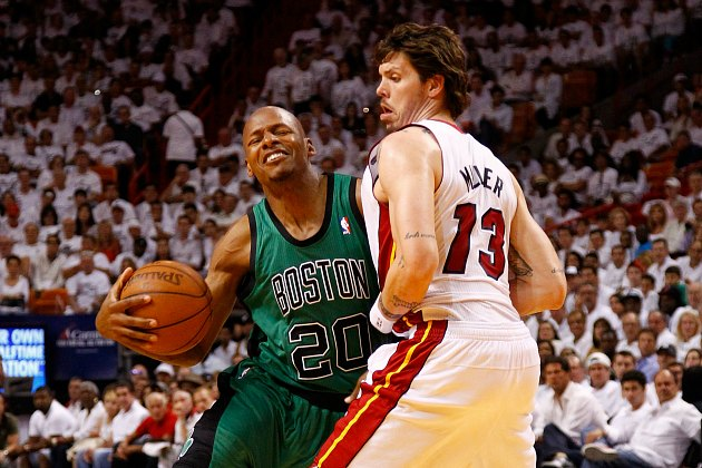 Ray Allen struggles against Mike Miller, which is really bad (Mike Ehrmann/ Getty).