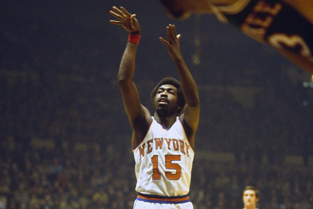Earl Monroe shoots a free throw for the Knicks (Getty Images).