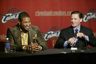 Usher Raymond and Dan Gilbert (Getty Images/David Liam Kyle)