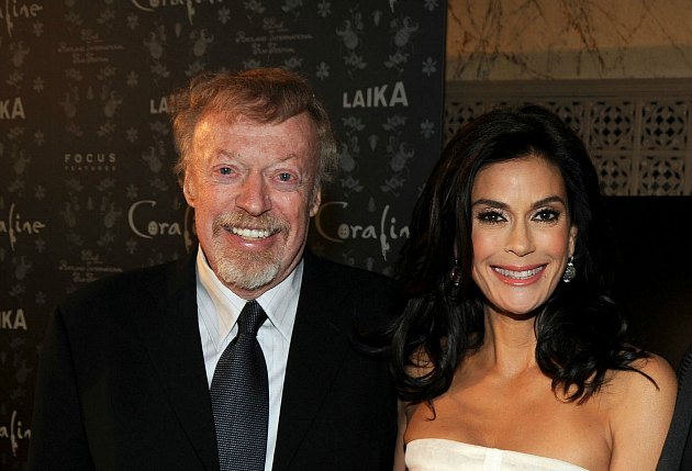 Phil Knight presents Teri Hatcher with his biggest smile (Jeff Kravitz/ FilmMagic).