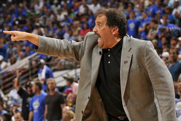 Stan Van Gundy wants everyone to look at what those chimps are doing (Fernando Medina/ Getty).