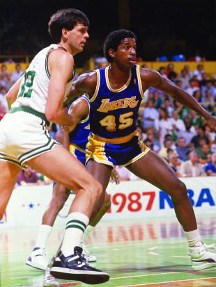 A.C. Green battles with Kevin McHale during the 1987 NBA Finals. (Focus on Sport/Getty Images)