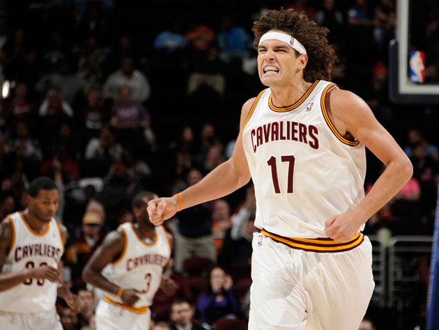 Anderson Varejao considers a spring spent in Houston (Getty Images)