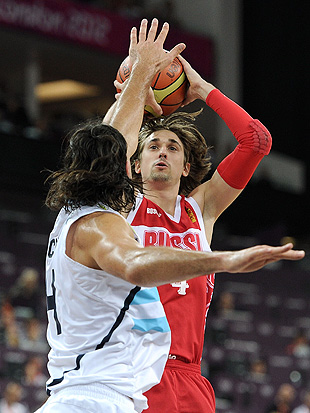 Alexey Shved had the jumper working, especially in the fourth quarter. (Getty Images)