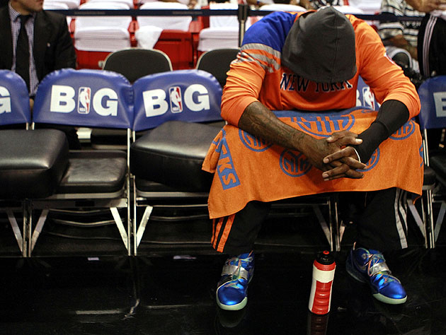 Amar'e Stoudemire hangs his head. (Getty Images)