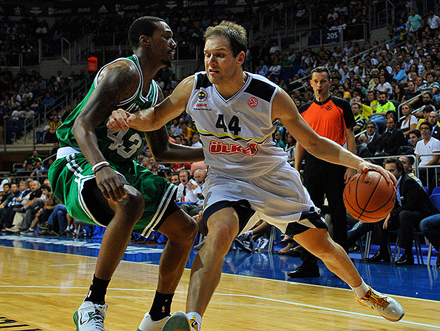 Bojan Bogdanovic drives on Jeff Green during a 2012 exhibition game. (David Dow/NBAE/Getty Images)