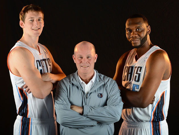 New Bobcats coach Steve Clifford poses with his new frontcourt (Getty Images)