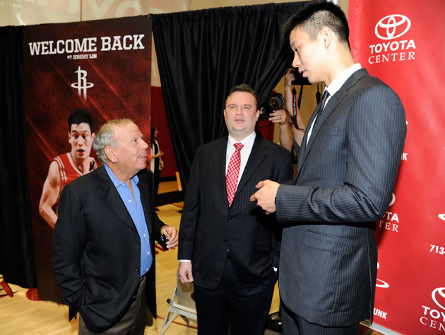 The Rockets announce the signing of Jeremy Lin, eight months after cutting him. (Getty Images)