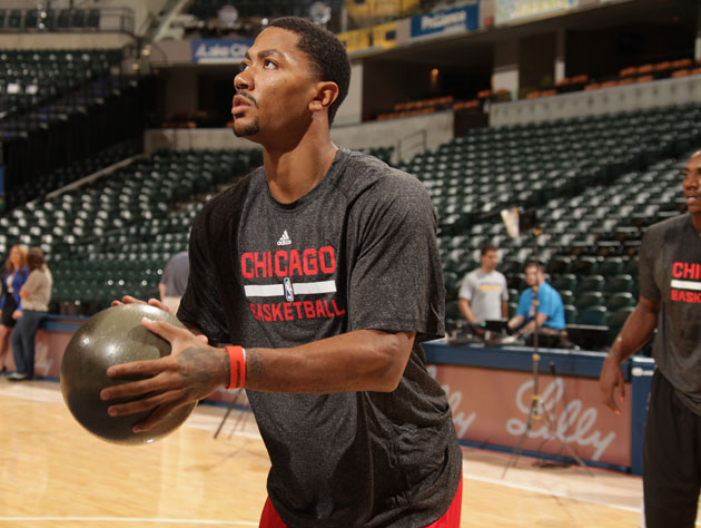 Derrick Rose would have played more minutes had he practiced with the right ball (Getty Images)