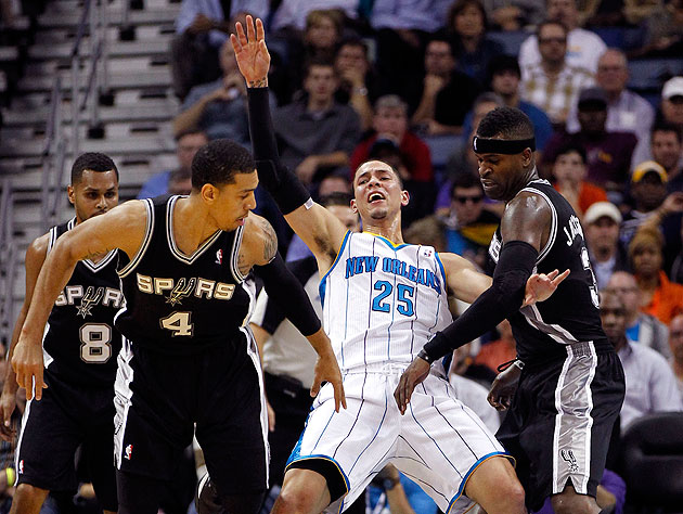 Danny Green and Stephen Jackson are such meanies. (AP/Gerald Herbert)