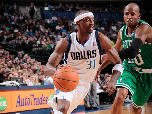 Jason Terry gets the best of Ray Allen (Getty Images)
