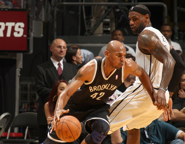 Jerry Stackhouse blows by LeBron James (Getty Images)