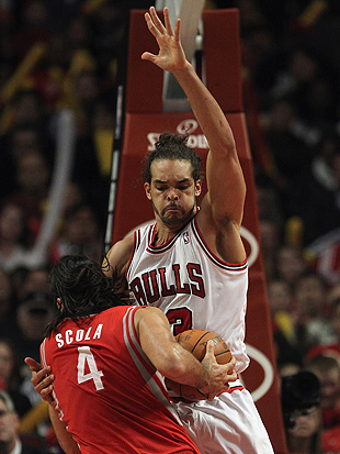 Joakim Noah of the Chicago Bulls makes a face. (Getty Images)