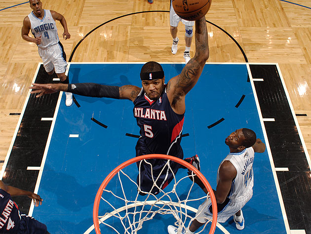 Josh Smith takes a high-percentage shot; we wish he'd do so more often. (Fernando Medina/NBA/Getty Images)