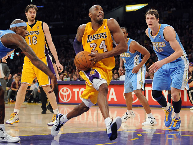 Kobe Bryant strides to the basket with confidence (Getty Images)
