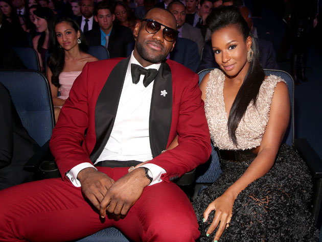 LeBron James loses points for wearing sunglasses indoors (Getty Images)