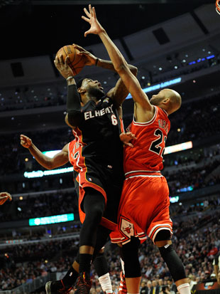 LeBron and Taj Gibson during Chicago's win (Getty Images)
