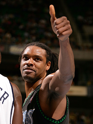 Latrell Sprewell allegedly wants you to turn the music up. (Kent Horner/NBA/Getty Images)