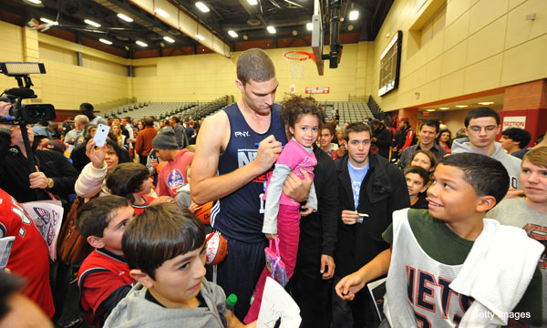 Brook Lopez, rebounding joke (Getty Images)