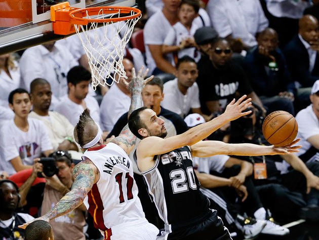 Manu Ginobili also had issues choosing which rim to shoot at during the Finals (Getty Images)