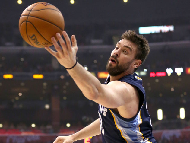 Marc Gasol snags another one (Getty Images)
