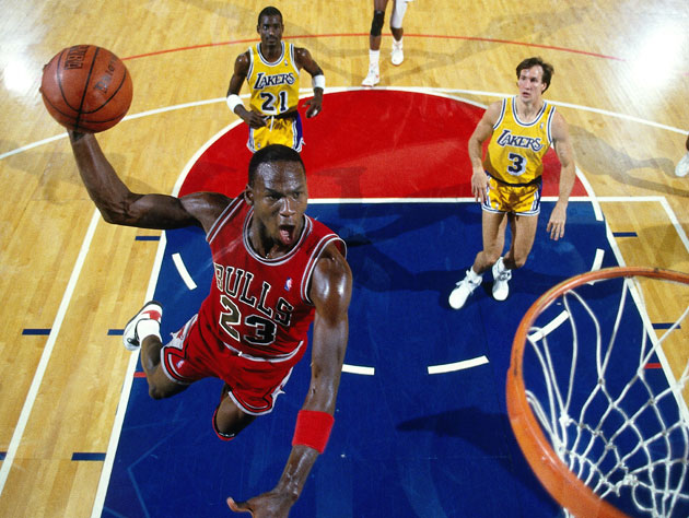 Michael Jordan swoops in for the easy lay-up (Getty Images)