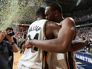Millsap and Jefferson celebrate. (Getty Images)