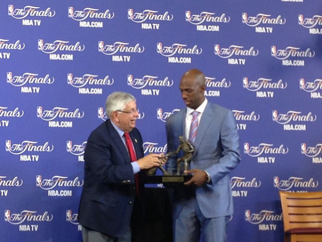 NBA Commissioner David Stern presents Chauncey Billups the Twyman-Stokes Award. (Photo via @NBA)