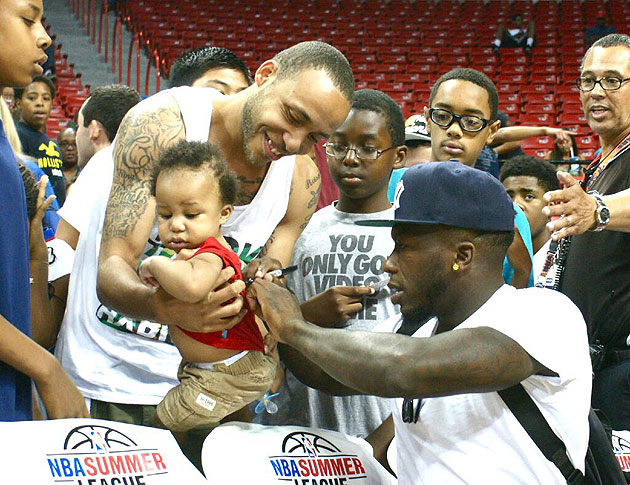 Nate Robinson Autographs Baby