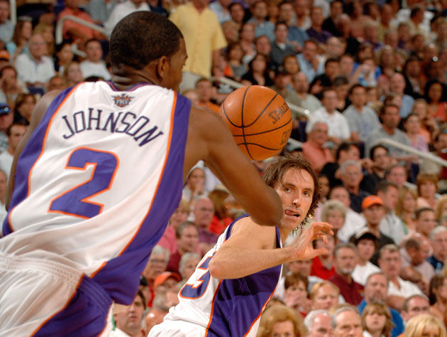 Joe Johnson and Steve Nash start the break in 2005 (Getty Images)