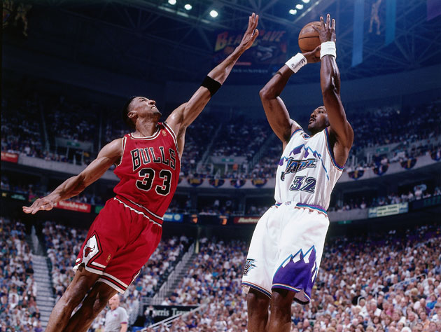 Scottie Pippen and Karl Malone and basketball is pretty cool (Getty Images)