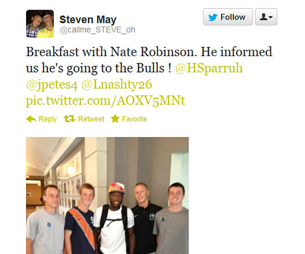 (Courtesy twitter.com/@callme_STEVE_oh; apologies for the Robinson picture quality)
